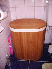 ma nejoblibenejsi vec v koupelne co se desigenu tyce - kos na pradlo ve venkovskem stylu,byla to laska na prvni pohled