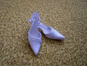 Tak tohle jsou moje botičky. Sice budu asi trpět, ale vypadají dobře :o)))