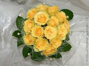 Základ bude vybrat si šikovnou floristku, která poradí a popřípadě vymyslí :o) Klika, že takovou znám!!! :o))