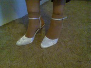 To jsou ty správné botičky na mou svatbu!!! (Jen si musíte odmyslet ty ponožky :o)))))