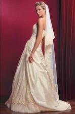 vitězné šaty - Diva, Pronuptia