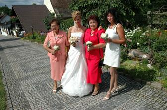 s oběma maminkami a babi