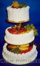 objednaný dortík (akorát ovoce budou jen jahody)