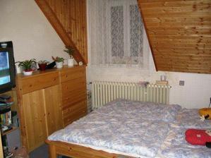 Původní ložnice po rekonstrukci (jediný pokoj,kde se nic nedělalo).