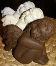 posledni dobou si uletevam na andilkach...jen nevim pro jake se mam rozhodnout...tihle jsou jak z cokoladky :)