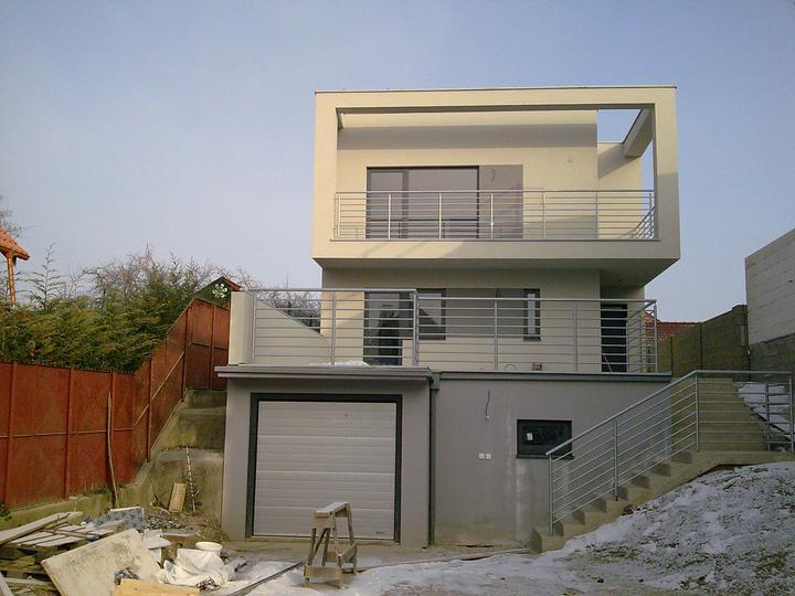 Príbeh našej stavby I. - rok 2010 - 30.12.2010 - lúčime sa s našim domkom, By By v roku 2011