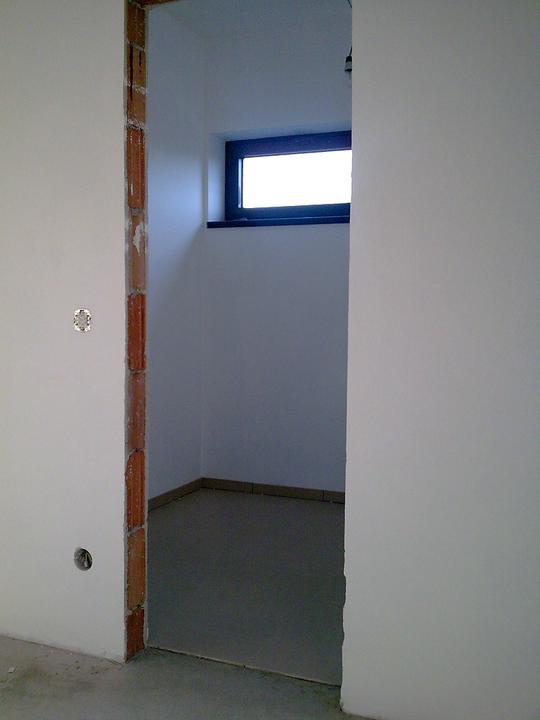 Príbeh našej stavby II - rok 2011 - Vstup do šatníka