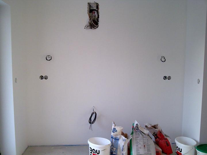 Príbeh našej stavby II - rok 2011 - Príprava pre budúcu kuchynsku linku - budúca varná zóna