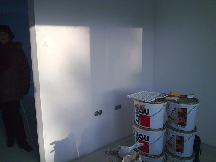 Príbeh našej stavby II - rok 2011 - Tu budú stáť vysoké skrine so zabudovanými spotrebičmi (chladn+mrazn., elektr. rúra, mikrovlnka)