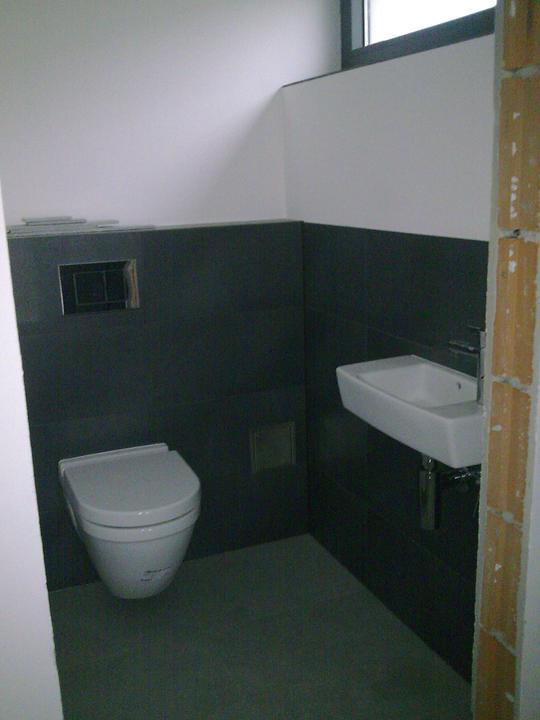 Príbeh našej stavby II - rok 2011 - WC na dolnom poschodí