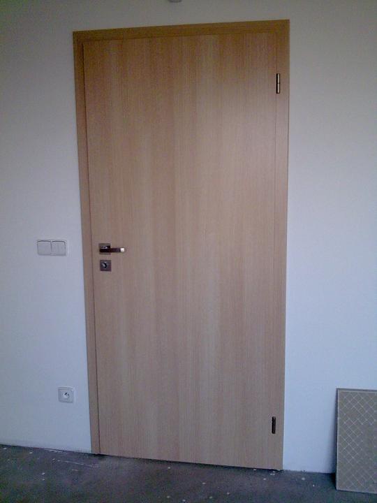Príbeh našej stavby II - rok 2011 - Izbové - volili sme jednoduché, bez presklenenia, u nás sú aj tak stále všetky dvere otvorené.