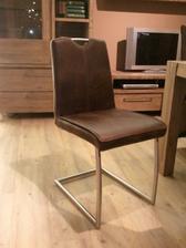 k tomu tyto židličky
