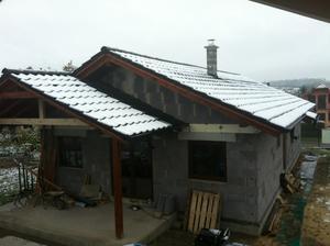 Trošku nám vybielilo strechu