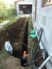 Elektrina, voda a odpad do garáže