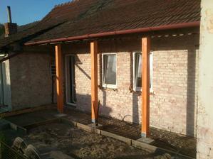 Konečne sa bude betonovať okolo domu