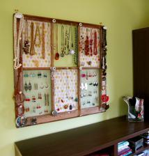 http://theborrowedabode.com/2011/01/tutorial-window-frame-jewelry-display/