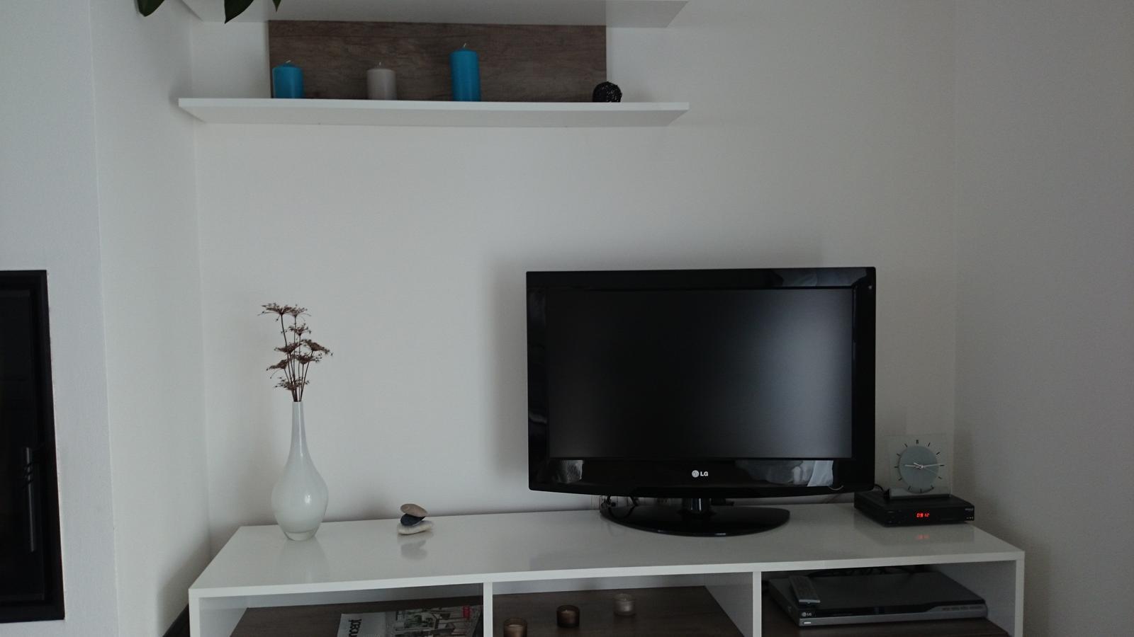 Z času na čas čosi pribudne :-) - nová vázička IKEA