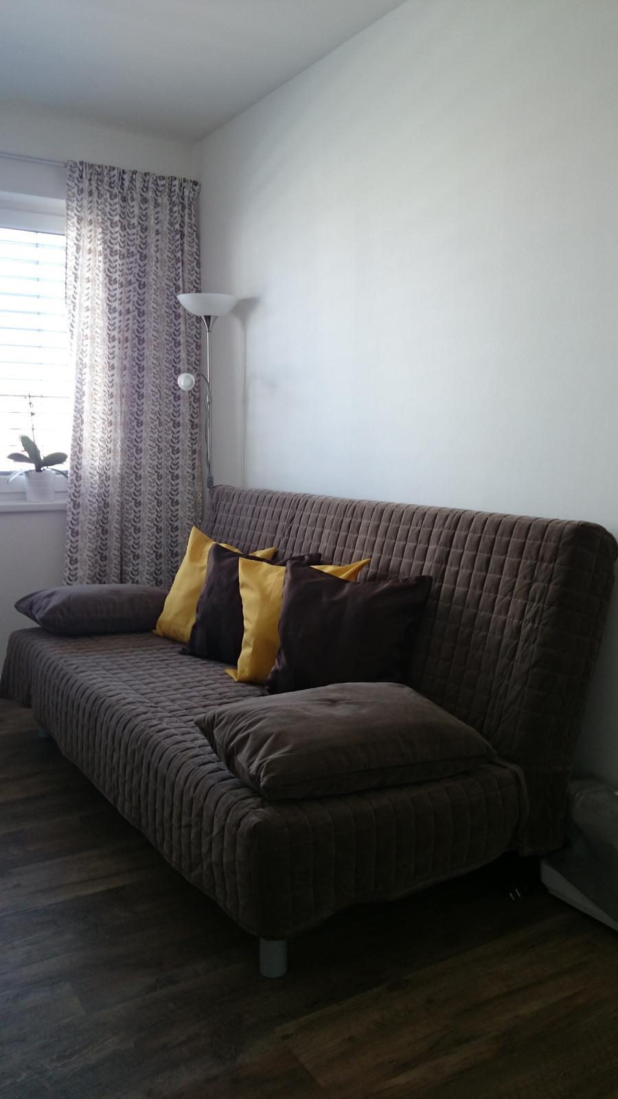 Z času na čas čosi pribudne :-) - vymenený Ikea poťah ,šedý za hnedý