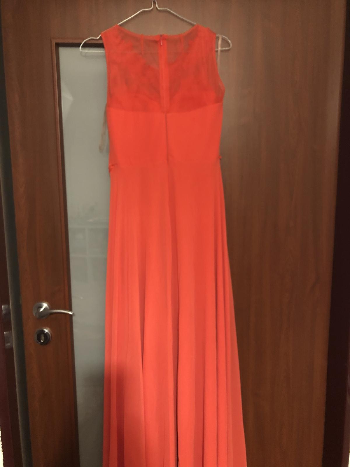 Jedinečné šaty  - Obrázok č. 3