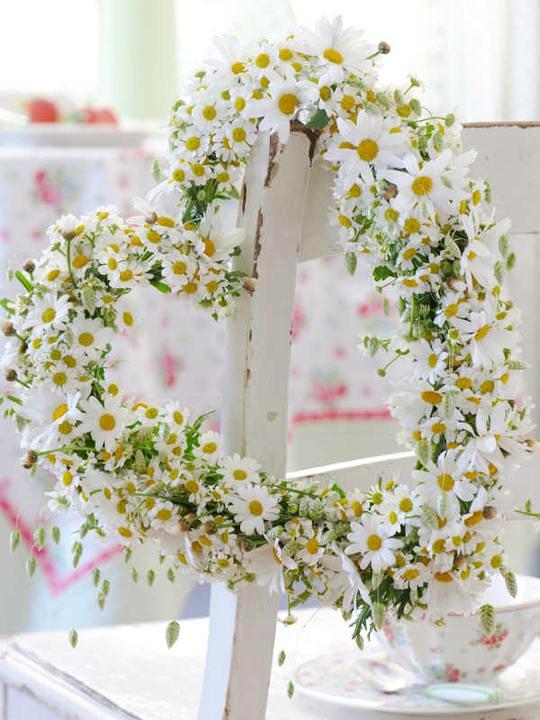 Dekorácie s lúčnymi kvetmi - Obrázok č. 49