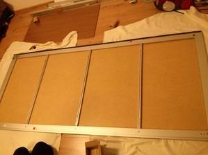 velikost panelu je 100,7 x 57,2 a potřebujete jich 8 kusů na dvoje dveře