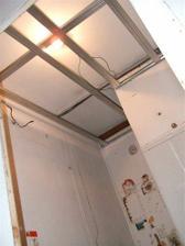 Konstrukce na sadrokartonovy strop a bodovky