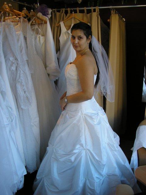 Príprava svadby - realita - tie isté, len s kruhom a so závojom