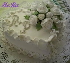 svatební dort - jen bude 3patrový a rozdělený na patrovém podnosu