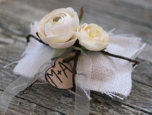 poduska s kvetinkou