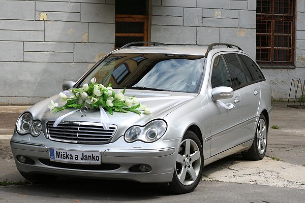 "Miška Matejčíková{{_AND_}}Janko Šišitka - ""naše autíčko"""