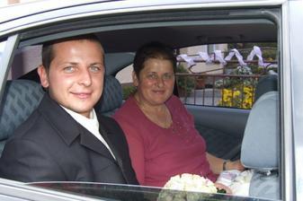 ...s maminkou v aute...