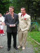 na levo svědek, v pravo ženich
