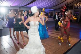 Večerný program....brazílske tanečnice to fantasticky roztočili. Hostia si program nevedeli vynachváliť, odporúčam.
