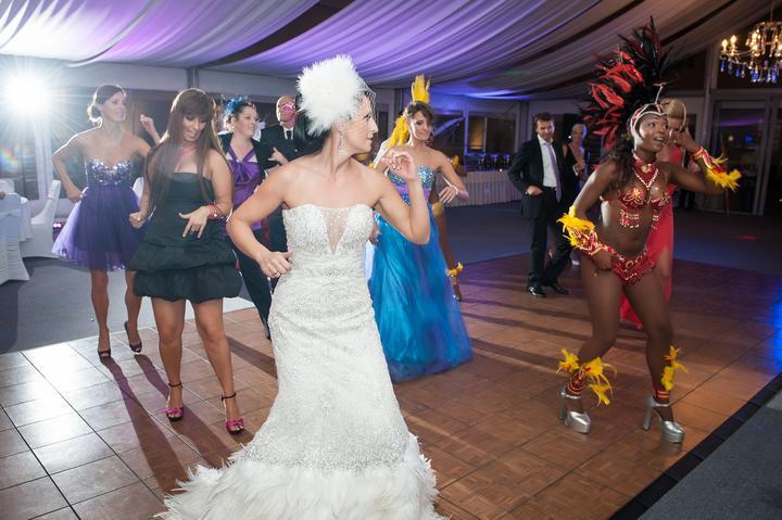 Lucia K{{_AND_}}Môj drahý - Večerný program....brazílske tanečnice to fantasticky roztočili. Hostia si program nevedeli vynachváliť, odporúčam.