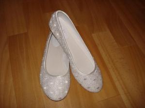 balerinky na prezutie ked ma budu boliet nozky :)