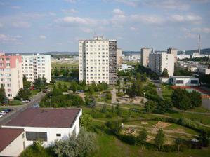 výhled z balkonu na Skodovku..