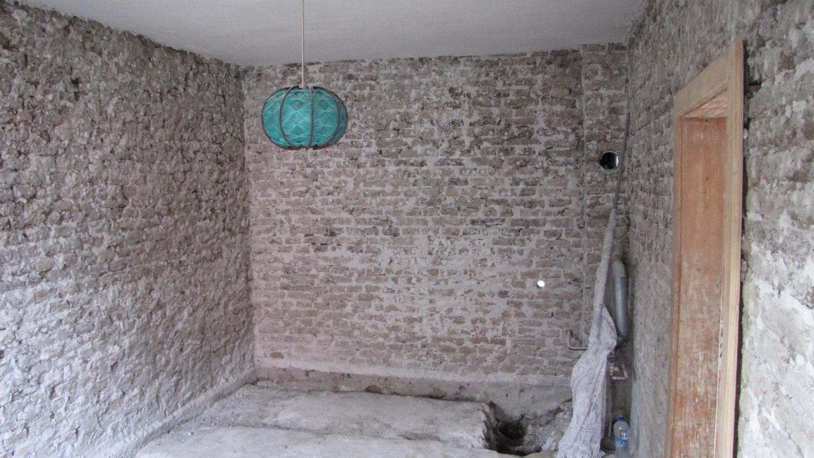 Rekonštrukcia starého domčeka - Budúca kúpelňa.