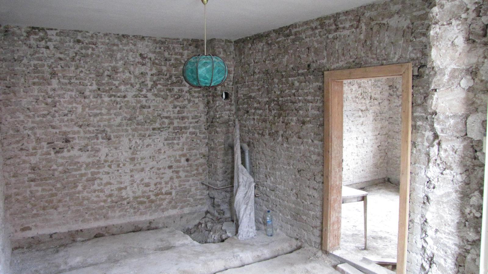 Rekonštrukcia starého domčeka - Peknú kúpelňu mám ,že?!