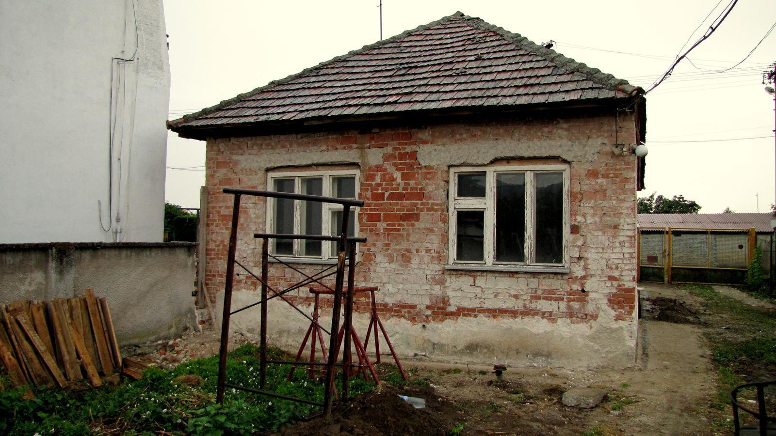Rekonštrukcia starého domčeka - Smutný pohľad.