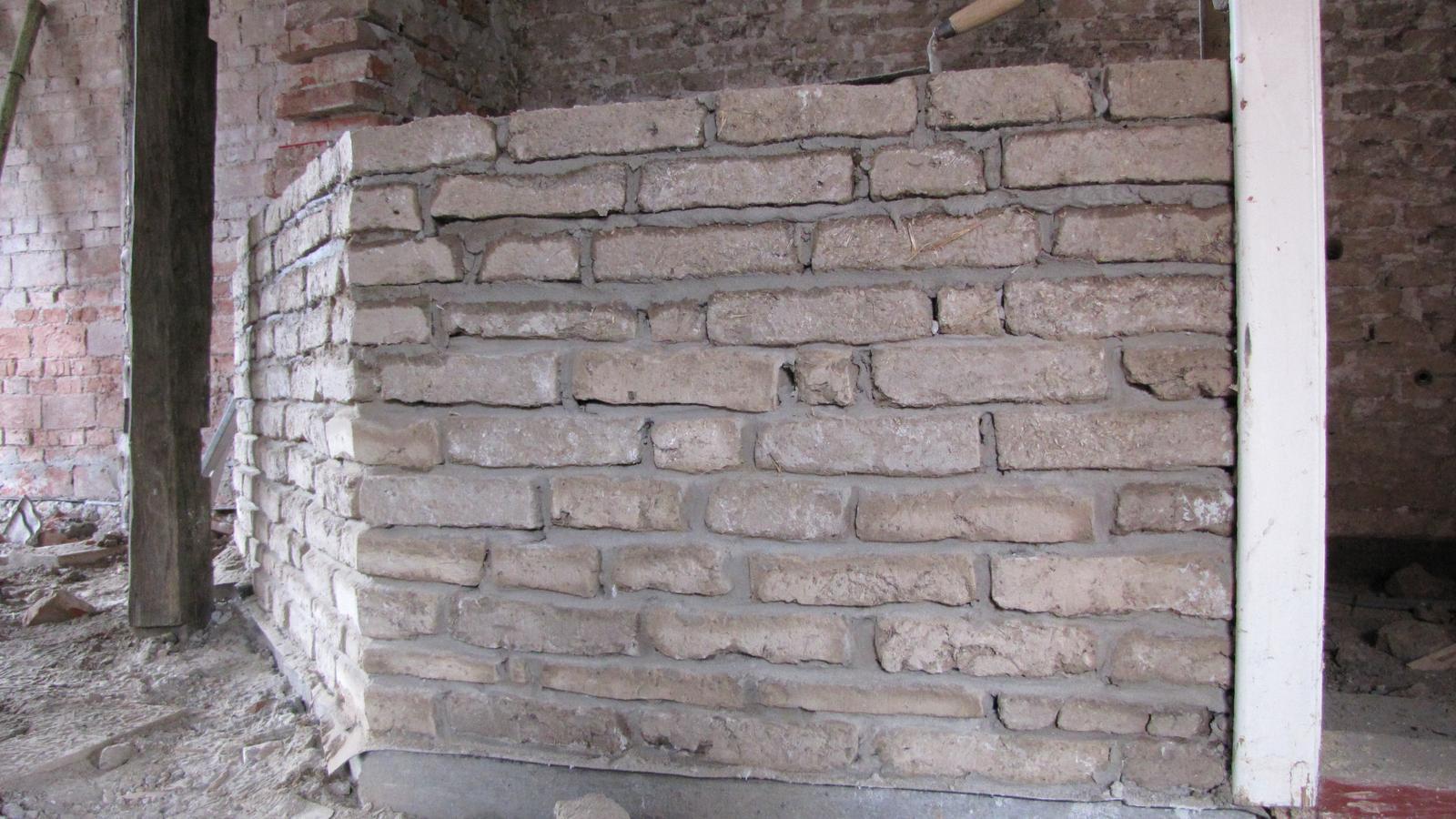 Rekonštrukcia starého domčeka - Sám som zvedavý čo z toho vytvorím.