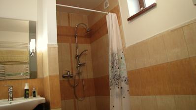 Zatiaľ ešte ani zďaleka nekonončená kúpelňo-kotolňa.