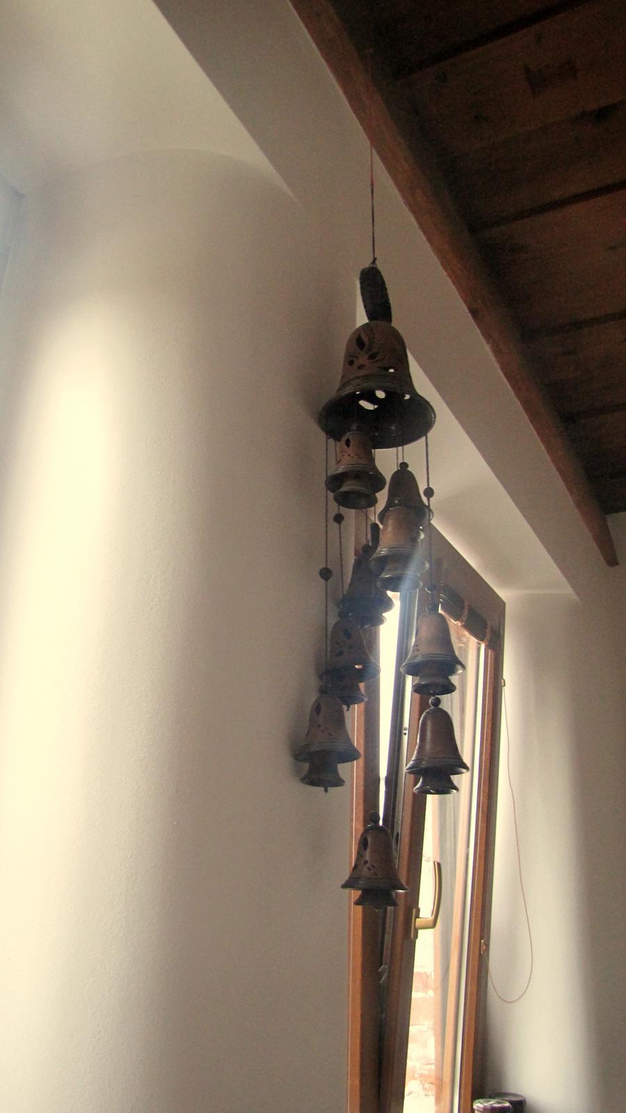 Rekonštrukcia starého domčeka - Kúpil som si zvončeky.