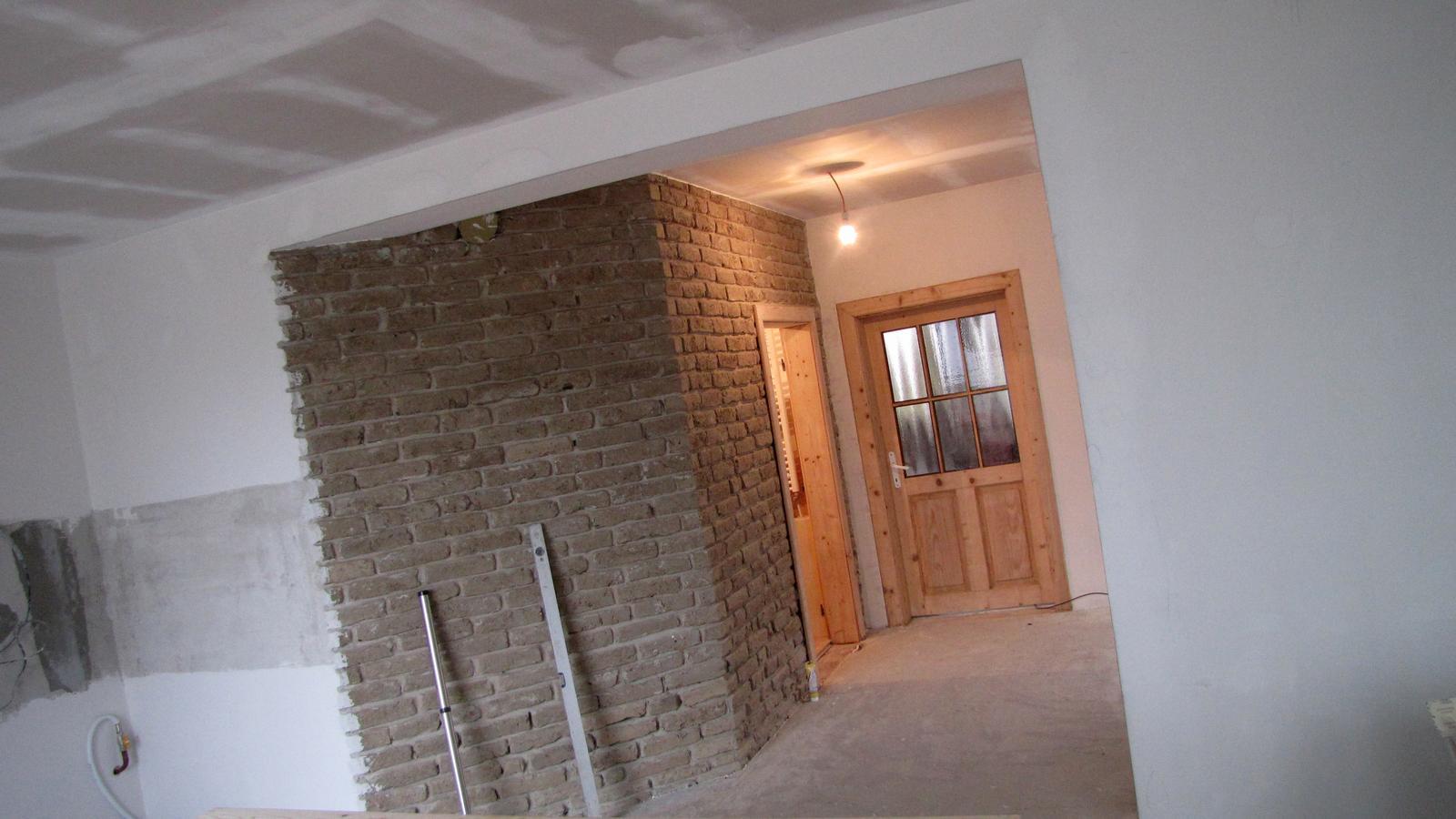 Rekonštrukcia starého domčeka - Konečne mám vybrúsené dvere.