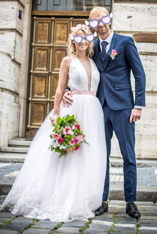 Svatební šaty s vykrojenými zády, vel. 34 - Obrázek č. 3