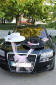 Svadobná dekorácia na auto klobuk zeních a nevesta,
