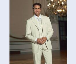 A tenhle oblek je už objednaný.