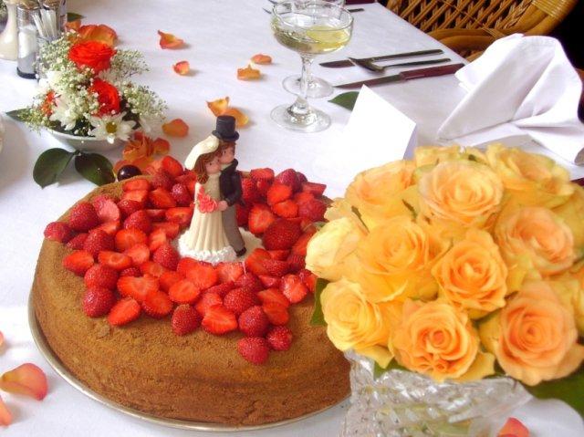 Markéta Czeczotková{{_AND_}}Martin Hobža - zatíší s dortem