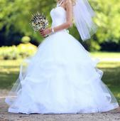Svadobné šaty s nariasenou sukňou, 34