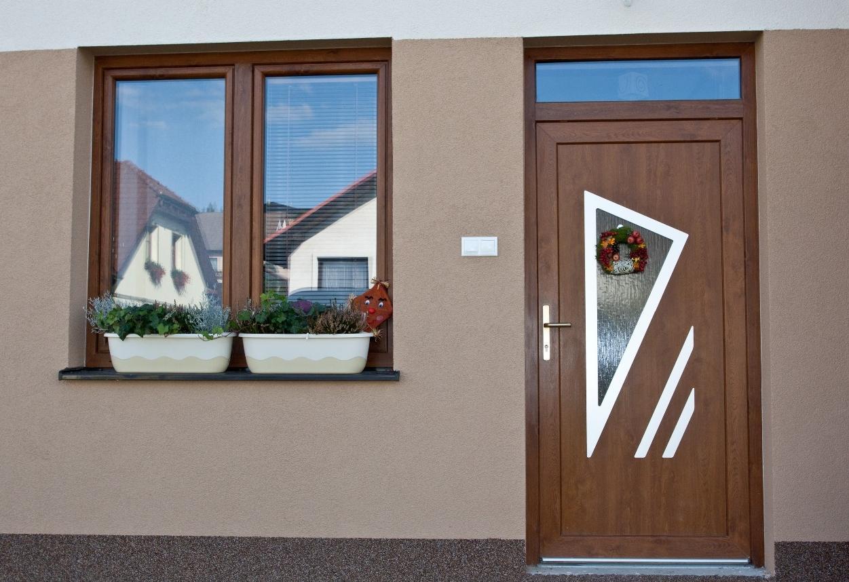 vchodove_dvere_gavaplast - Vchodové dvere s HPL dvernou výplňou GAVA 691