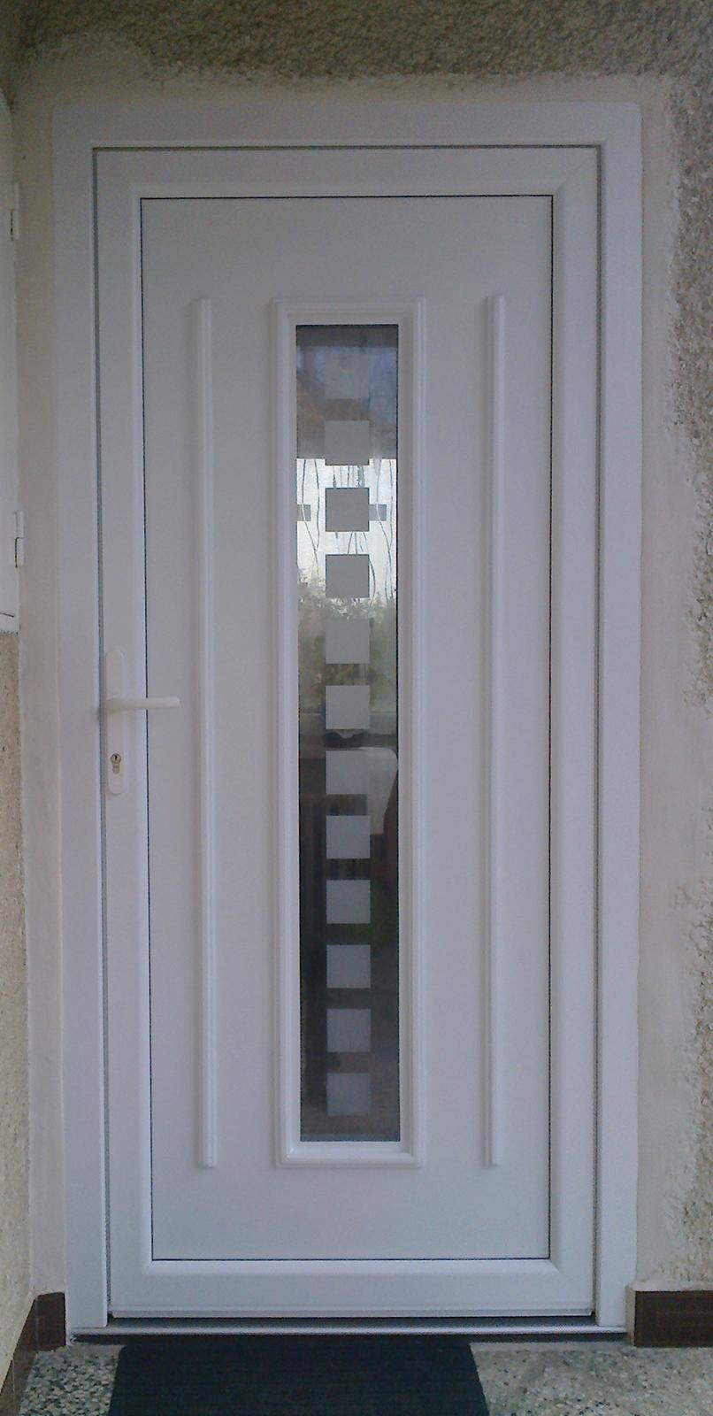 GAVA 151 - Vchodové dveře s plastovou dveřní výplní GAVA 151 a s pískováním P1x12